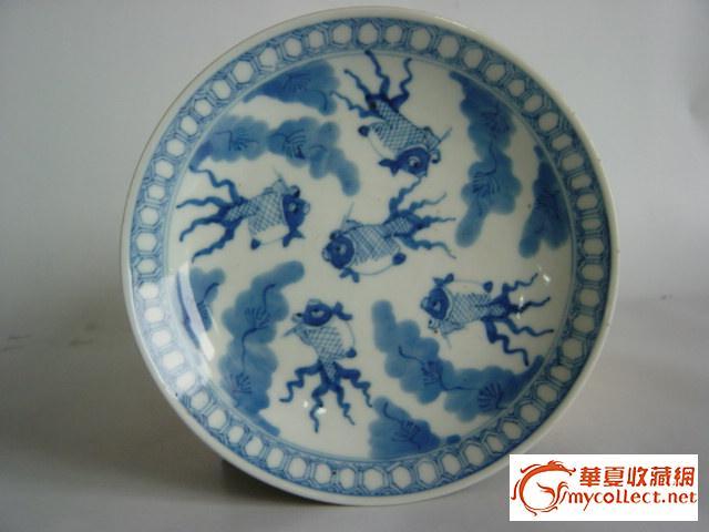 康熙玩玉款青花鱼藻盘