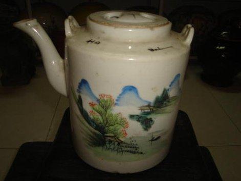 民国粉彩山水茶壶 根雕花架