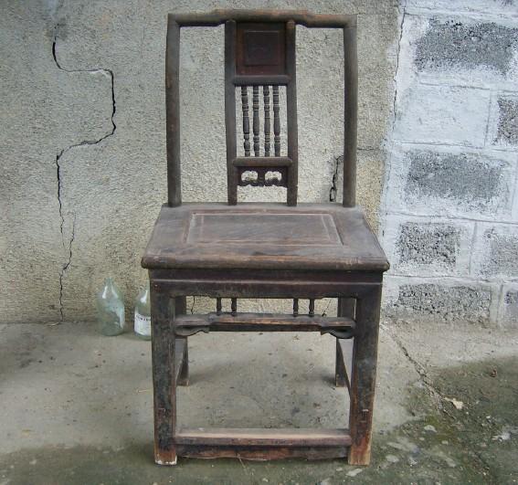 民国配书桌的单椅子