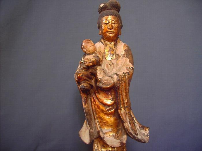 明代金漆木雕送子观音立像