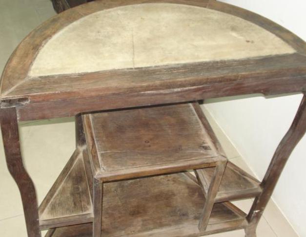 欧式实木个性半圆桌子的图片