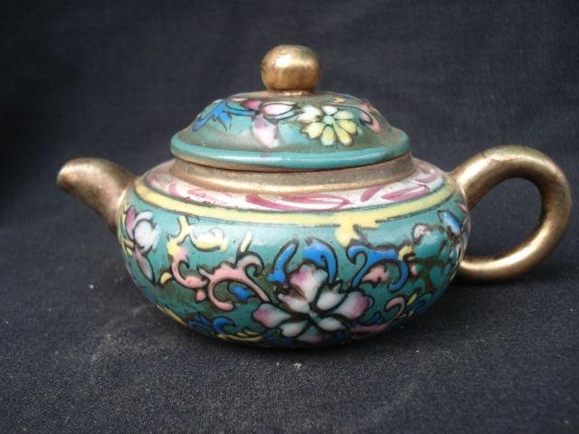 珐琅彩紫砂壶