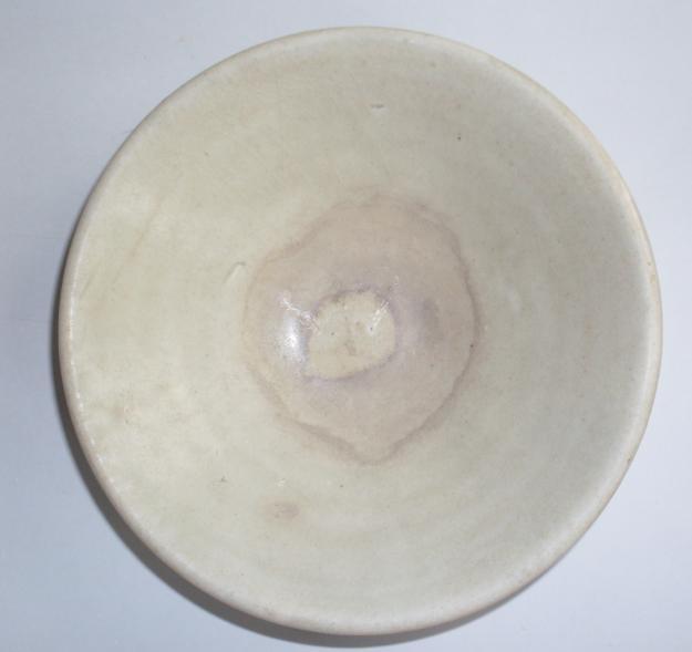 刑窑 碗 完整 直径13.1厘米  高3.5厘米