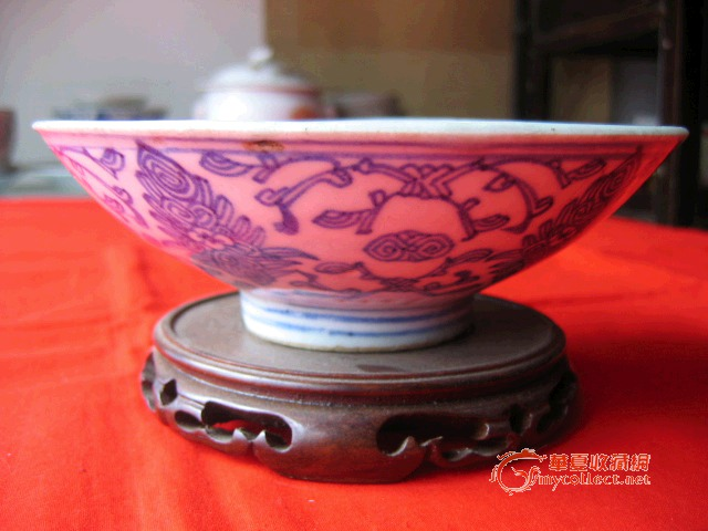 清中期青花缠枝花纹碗(包老)图片