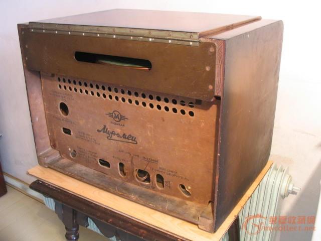 苏联带电唱机的电子管收音机