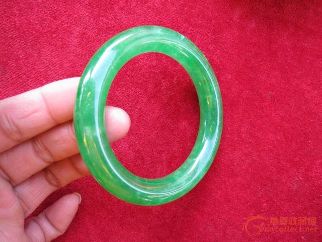 缅甸翡翠圆边手镯正阳绿满色 水头超好