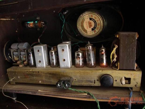 红灯牌电子管收音机711-4