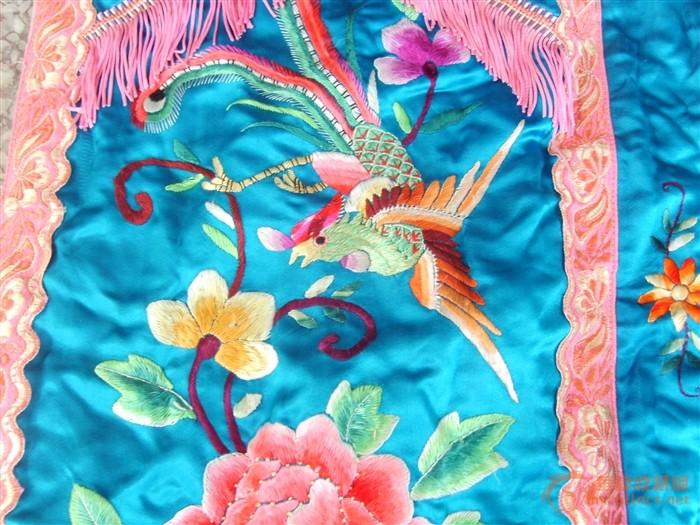 凤穿牡丹刺绣裙子图片