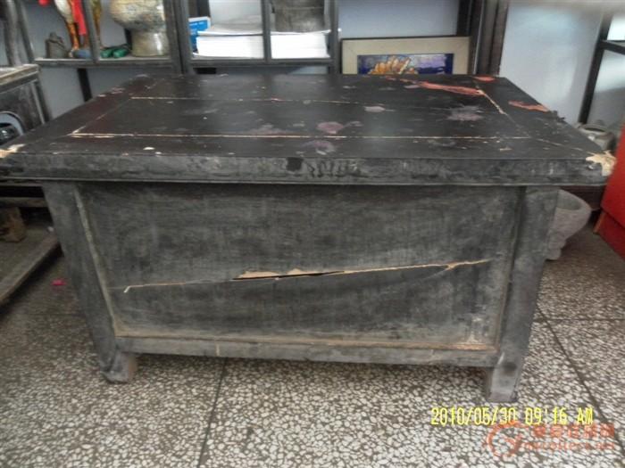黑漆木柜橱小桌