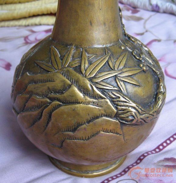铜梅花花瓶