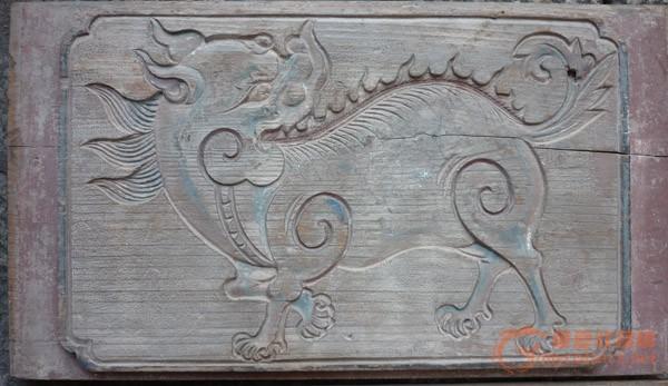 添阴网_2块非常古朴的阴雕瑞兽花板