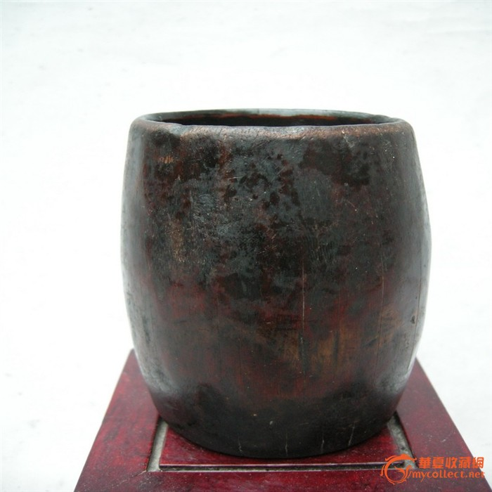 老式铁水桶图片