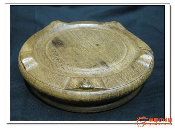 来一个一木整做的榉木花瓶座.