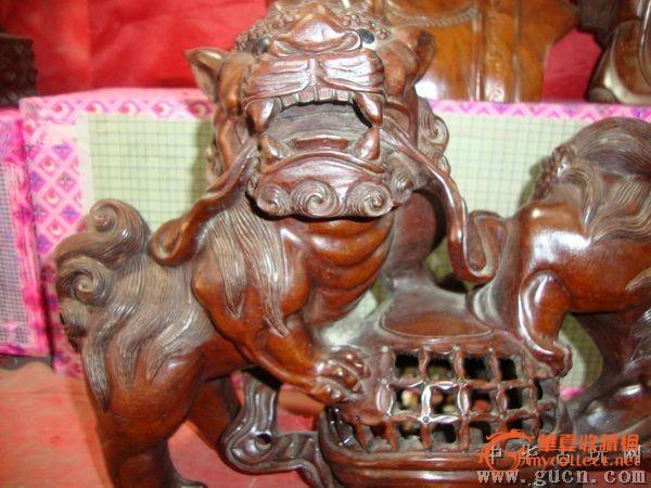 木雕狮子绣球摆件