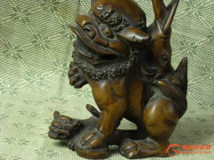 清*黄杨木雕狮子驮象鼎