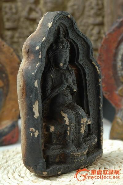 称为弥勒佛坐化像,描述是弥勒佛成佛的瞬间,引导信众静心修身,感悟佛