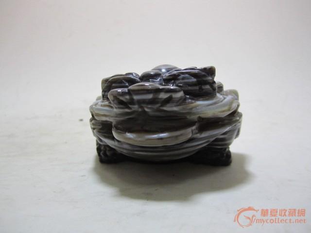 天然玛瑙雕刻金蟾