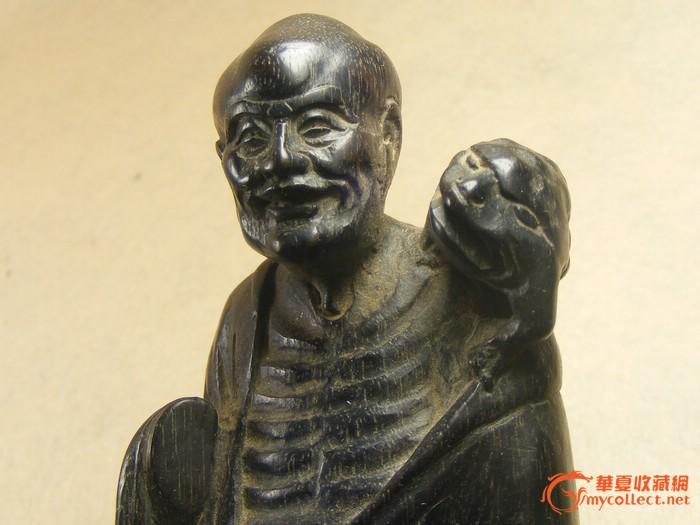 民国紫檀木雕肩蟾站立佛像
