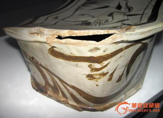 金代磁州窑白地黑花芦苇仙鹤纹八角形瓷枕
