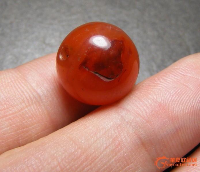 老大红色带缠丝玛瑙大圆珠(玩玩不错)
