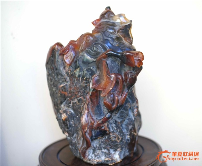 树化石玛瑙巧色巧雕山子摆件(一口价)