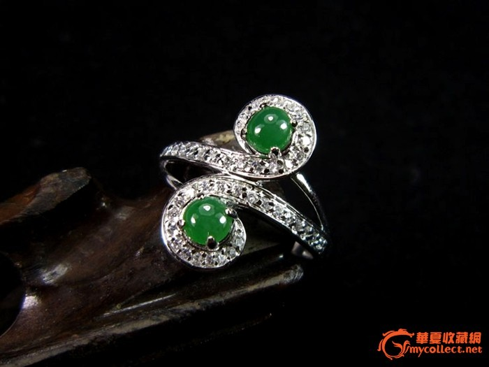 坑冰玻种满阳绿翡翠奢华群镶戒指 赠送权威证书奢华珠宝盒