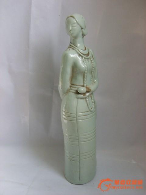 青瓷美女雕像